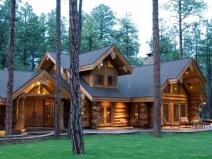 Большой загородный дом с баней