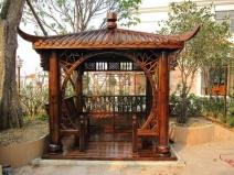 Деревянная беседка-пагода для сада