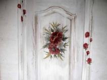 Украшение двери кветочным рисунком