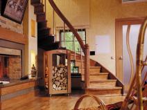 Виталя деревянная лестница - очень элегантно!