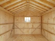 деревянный гараж внутри