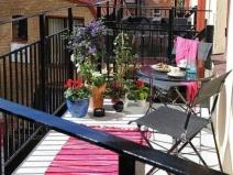 Дизайн открытого балкона: летний отдых
