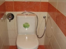 Дизайн маленького туалета в панельном доме