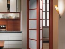 Дверь-книжка для небольшого дверного проема кухни