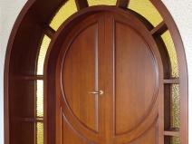 арочные двери из массива дуба