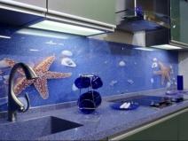 Стильный фртук для кухни с видом морского дна