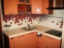 Крупная плитка для кухонного фартука с кофейными зернами