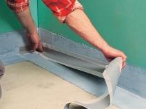 Монтаж гидроизолирующей ленты в ванной