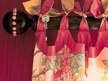 Оригинальный способ закрепить штору на деревянном карнизе