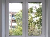 аккуратное пластиковое окно с готовыми откосами