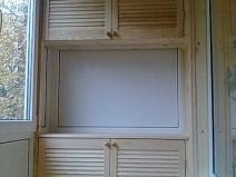 Шкаф для лоджии, состоящий из трех секций
