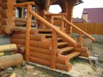 деревянное крыльцо из бруса