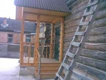 Деревянное крыльцо фото