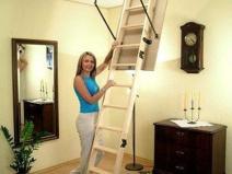 Деревянная складная чердачная лестница
