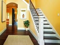Красивые лестницы для загородного дома