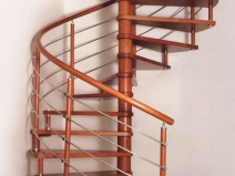 Винтовая лестница на воторой этаж