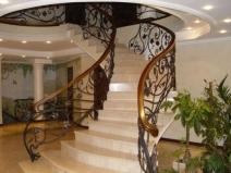 Бетонная лестница сложной формы