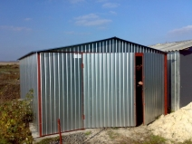Удобный металлический гараж и профлиста