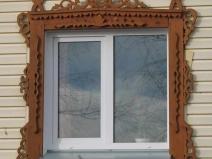 Резной наличник на окне