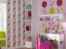 Детская комната: дизайн выполнен из разных видов обоев