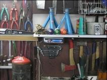 Инструменты на стене гаража: все на местах!