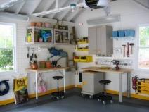 удобное обустройство интерьера гаража