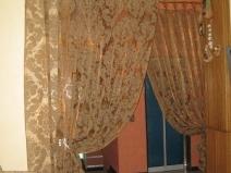 как декорировать проем шторами