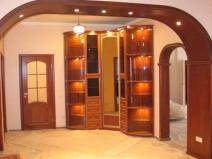 Стильное зонирование и офомление дверных проемов