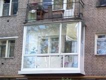 Полностью прозрачный балкон из алюминиевого профиля