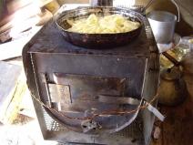 Буржука в гараже: тепло в помещении и еда горячая