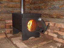 Буржуйка на дровах в кирпичном гараже