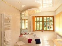 Натяжные потолки фото в ванной