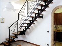 Лестница на металлической основе