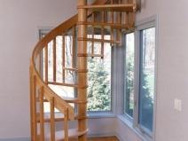 Винтоваря лестница с консольными ступенями