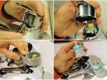 Процесс ремонта смесителя для ванной