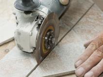 как разрезать плитку под углом