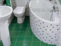 Угловая ванна в санузле хрущевки