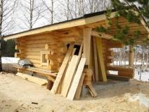 Строительство бани с большой двускатной крышей