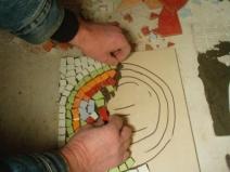 Выкладка панно из мозаики