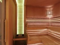 Отделка вагонкой бани со встроенным освещением