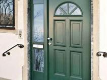 деревянные входные двери со стеклом