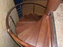 Деревянные винтовые лестницы на чердак