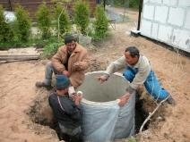 установка колодца для водопровода