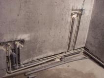 Прокладка водопроводных труб со штроблением