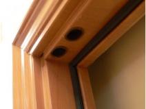 Уплотнительная резинка на коробке двери для шумоизоляции